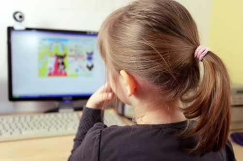 Иногда компьютер становится единственным местом, где можно спрятаться от проблем с близкими, от конфликтов на работе, унижения и непонимания