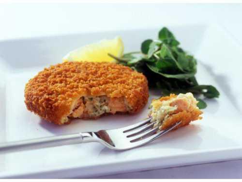 В качестве дополнительных ингредиентов используются яйцо, лук, чеснок, специи и пряности для рыбы, лимонный сок