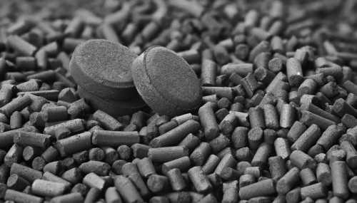 Состав черного базируется на диоксиде кремния и микро кристаллической целлюлозе