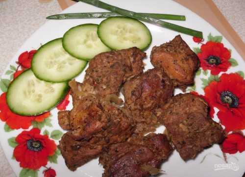 Шашлык в духовке: рецепт мяса в рукаве